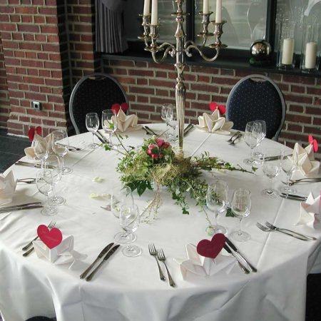 Tisch und Raum (2)